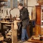 antika mobilya tamiri ve bakımı ustası marangoz
