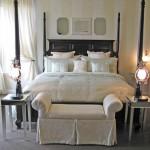 beyaz yatak odası dekorasyonu örneği