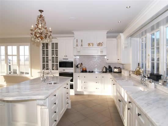 beyaz mermer mutfak tezgahı